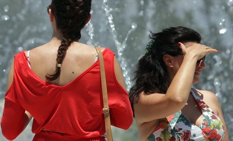 Слика од Македонија во портокалова фаза, температурите над 40 степени