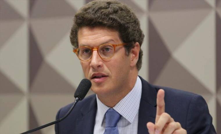 Слика од Бразилскиот министер за екологија поднесе оставка