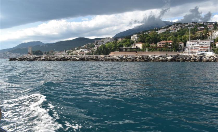 Слика од Короната заминува, туристите се враќаат на црногорскиот брег