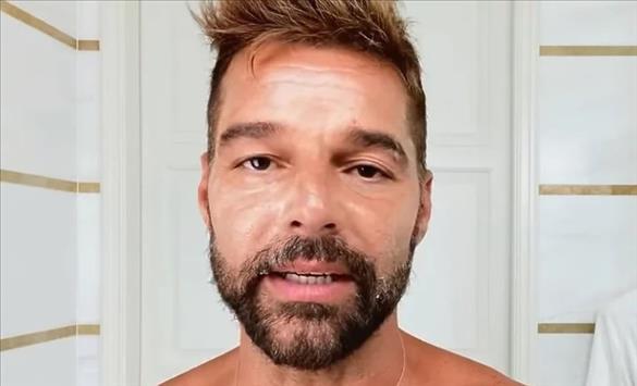 Слика од Рики Мартин покажа како си го негува лицето и кожата