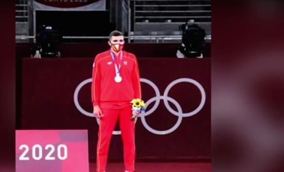 """Слика од Македонските олимпијци во дизјан на турскиот моден бренд """"Китили"""""""