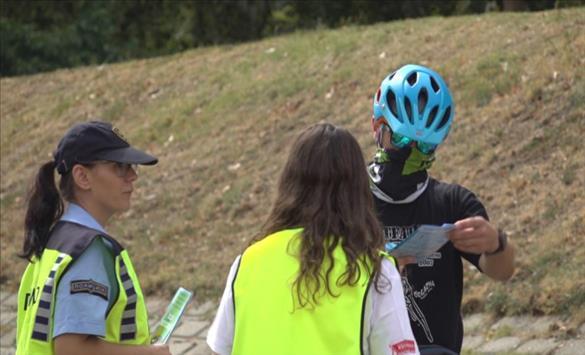 Слика од РСБСП и МВР: Вози велосипед и почитувај ги сообраќајните правила