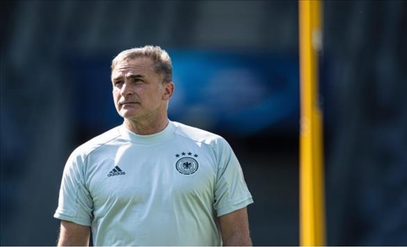 Слика од Германецот Кунц и официјално нов селектор на Турција