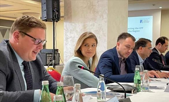 Слика од ВМРО-ДПМНЕ во Мостар на регионална конференција