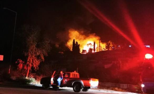 Слика од Ставен под контрола пожарот во центарот за прием на бегалци и мигранти на грчкиот остров Самос