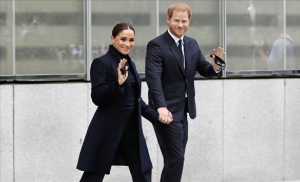 Слика од Меган Маркл и принцот Хари пристигнаа во Њујорк облечени во црно
