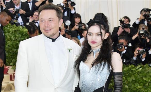 """Слика од Поранешната партнерка на Илон Маск: Ќе направам """"лезбејска комуна"""" во вселената"""