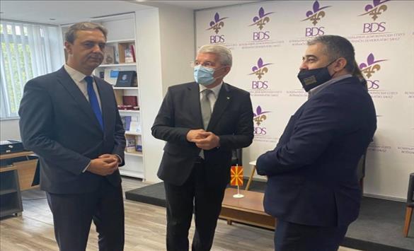 Слика од Членот на Претседателството на БиХ, Џаферовиќ, го посети седиштето на Бошњачки демократски сојуз