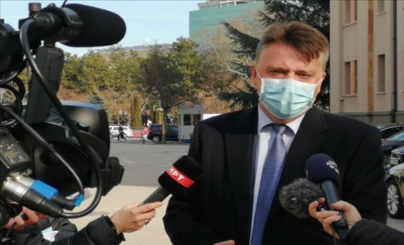 Слика од Шилегов запрепастен дека во Скопје може да има целосно бесплатен јавен превоз