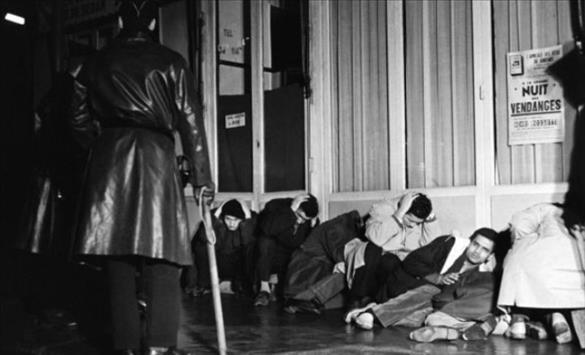 """Слика од Макрон се подготвува да ја признае """"неоспорната вистина"""" за масакрот на Алжирците во Париз"""