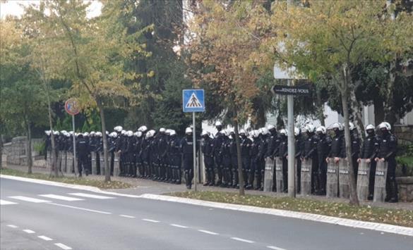 Слика од Полицијата спречи демонстрации на десничарската Народна патрола пред Амбасадата на САД во Белград