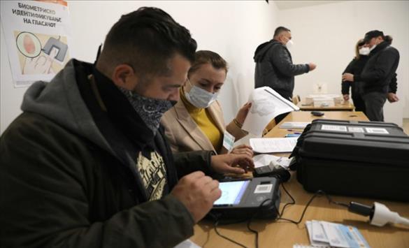 Слика од Поради замена на апарат гласањето на едно избирачко место во Росоман ќе се продолжи за еден час и 50 минути