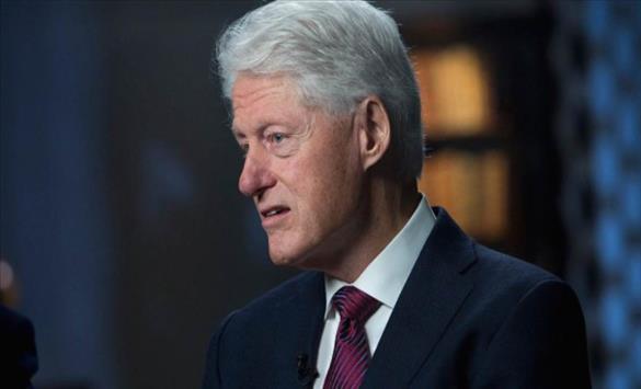 Слика од Бил Клинтон отпуштен од болница