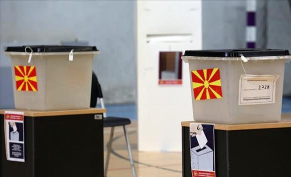 Слика од По 19 часот гласаат само граѓаните затекнати на избирачките места