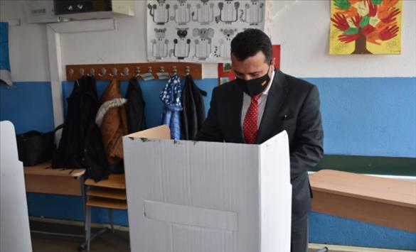 Слика од Заев: Македонската демократија е пред уште една победа