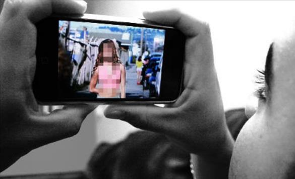 Слика од 36 годишен жител на Богданци на малолетна девојка и покажувал слики со недолична содржина и ја допирал по телото
