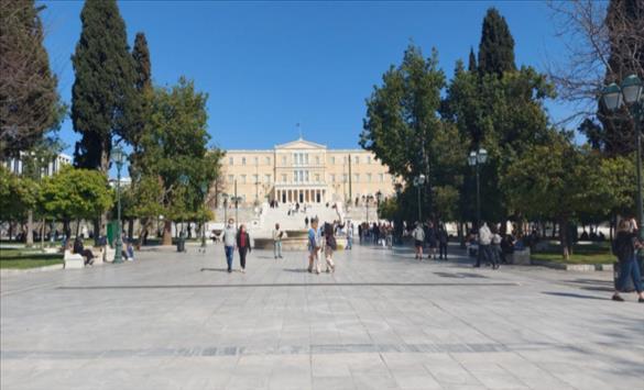 Слика од Мерката пар-непар одново се воведува во центарот на Атина за да се намали сообраќајниот метеж