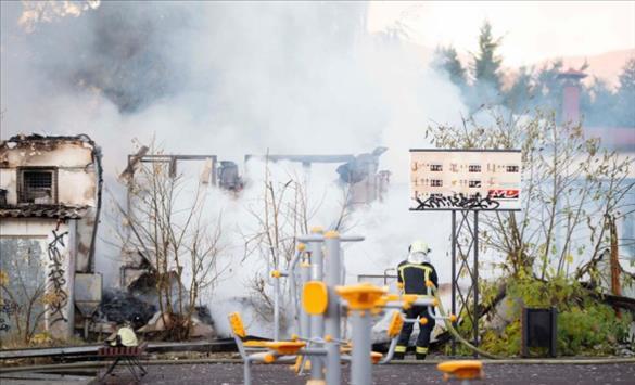 Слика од Без жртви и материјална штета е резултатот од пожарот во Градскиот парк