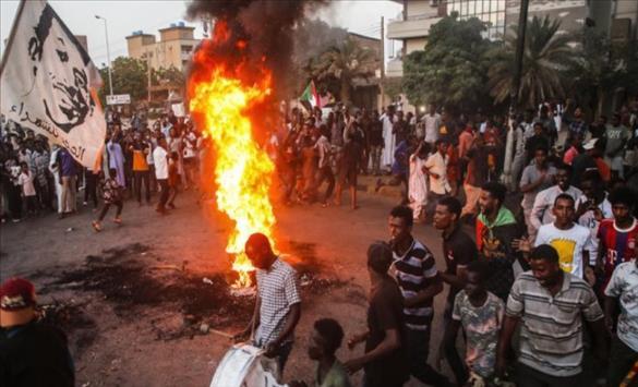 Слика од Апсења во Судан, продолжуваат протестите