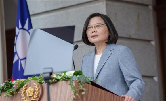 Слика од Тајванската претседателка потврди дека американски војници ги обучуваат тајванските