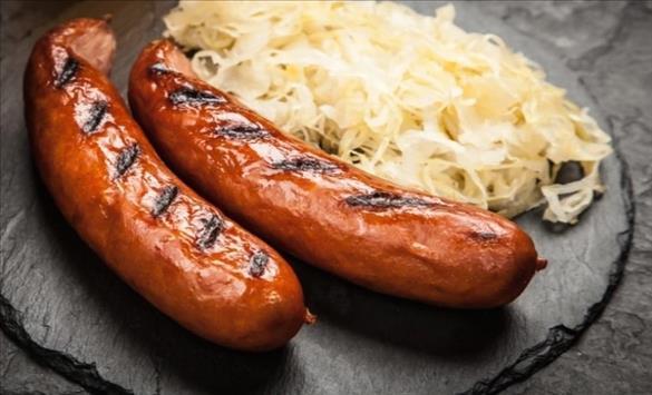 Слика од Шеќерот, колбасите и месото се најштетни за цревата