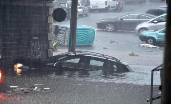 """Слика од Две жртви на ураганот """"Медикен"""" на југот на Италија, улиците поплавени, а штетите огромни"""
