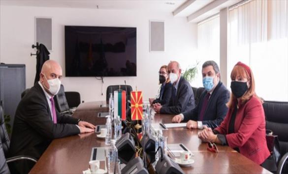 Слика од Вилма Русковска се сретна со главниот обвинител на Бугарија Иван Гешев