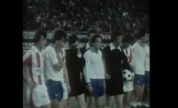 Слика од Ретро: Легендарниот натпревар помеѓу Хајдук и Ѕвезда кој го прекина смртта на Тито (Видео)